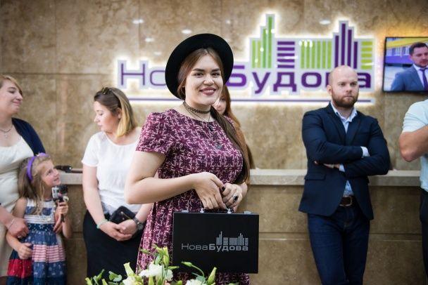 """Победительница """"Голосу країни"""" Виталина Мусиенко впервые побывала в своей новой квартире"""