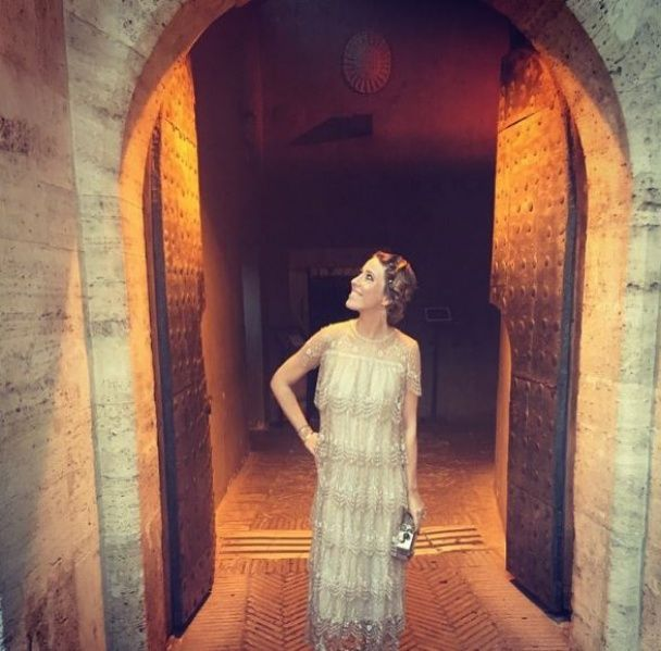 Вагітна Собчак у дизайнерських сукнях насолоджується відпочинком в Італії