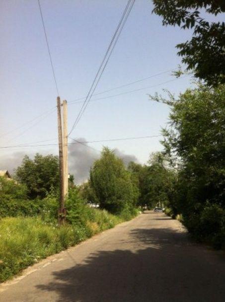 Масштабна пожежа у Дніпрі: понад півсотні рятувальників гасять склади біля Кайдацького моста