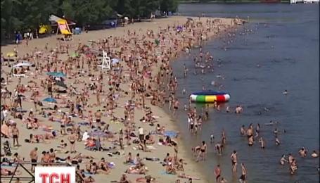 Дощі та спека поділили Україну навпіл