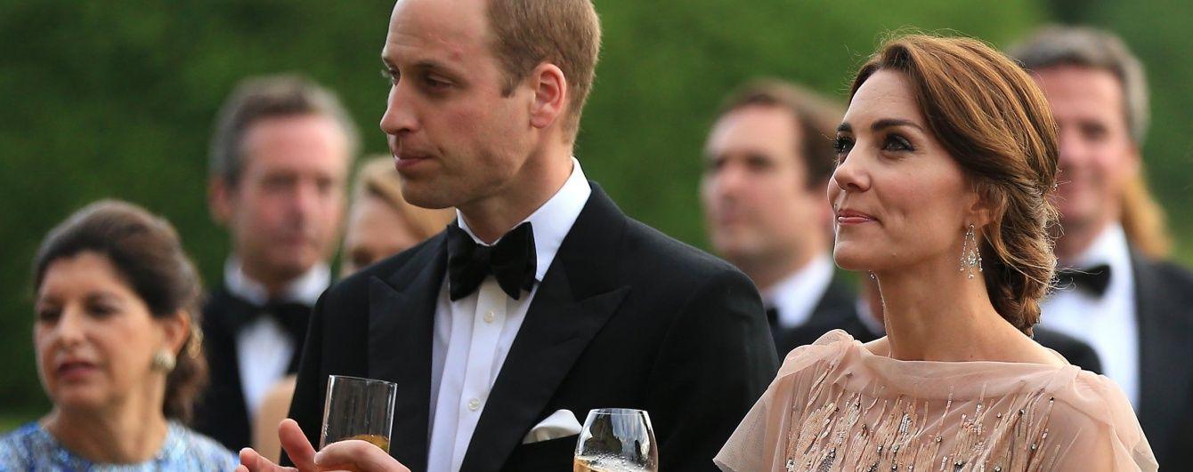 Опять повтор: герцогиня Кембриджская пришла на благотворительный вечер в платье пятилетней давности