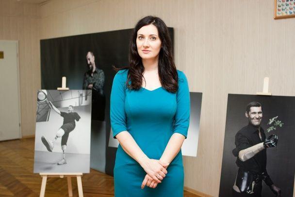 """Соломія Вітвіцька та герої АТО запрошують побачити виставку """"Переможці"""" в Запоріжжі"""