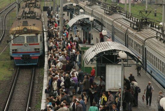 """""""Укрзалізниця"""" запровадить систему безконтактної оплати проїзду в електричках та поїздах"""