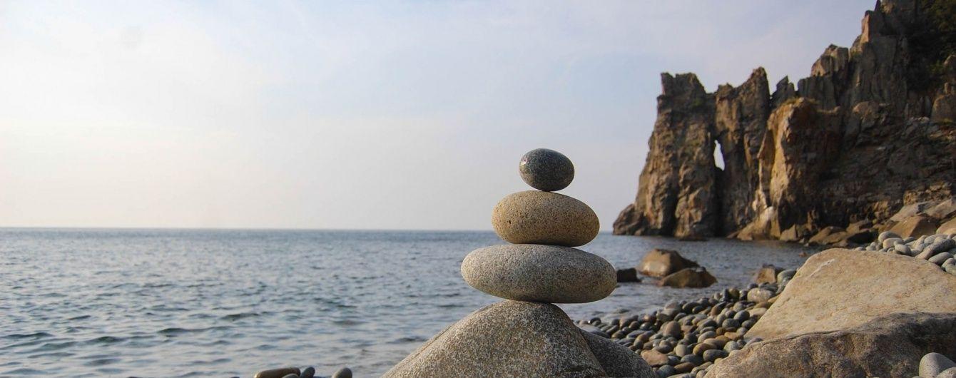 Шалений наплив туристів чи цілковита безлюдність. Онлайн-трансляція з пляжів окупованого Криму