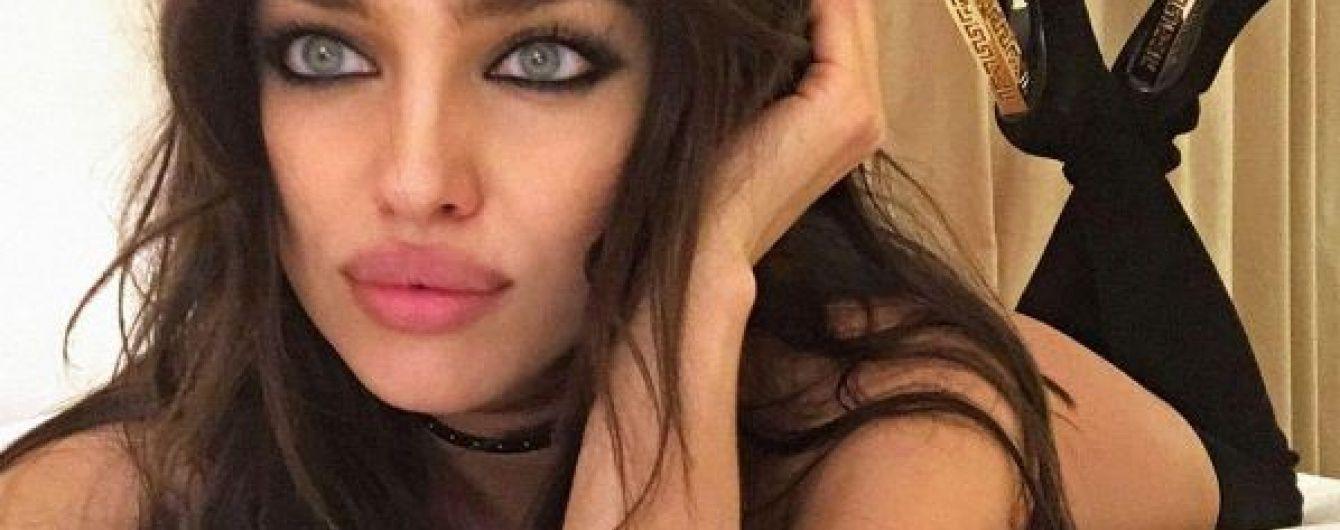 Сексуальна Ірина Шейк повністю оголилася для фотопроекту