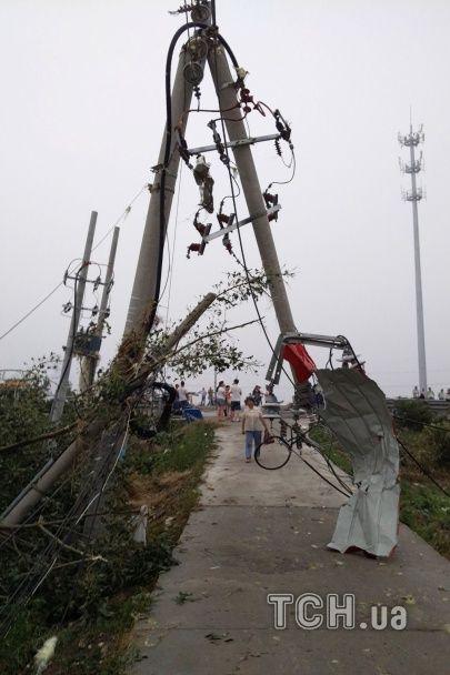 Смертельний торнадо. Негода у Китаї вбила понад півсотні людей