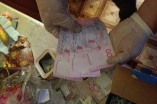 На Житомирщині працівник карного розшуку погорів на хабарі