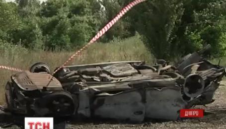 У Дніпрі машина злетіла з мосту