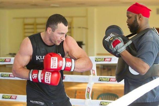 Два тижні до бою: Кличко відшліфовує удари до реваншу проти Ф'юрі