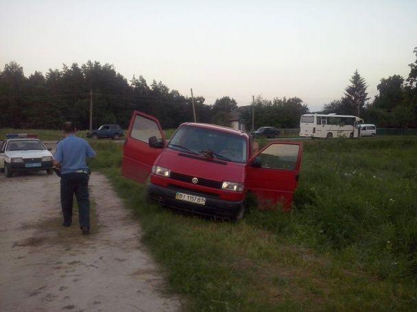Скандал на Полтавщині: п'яний заступник глави РДА побив жінку і двох чоловіків