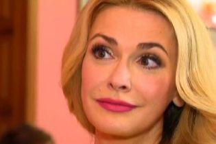 """Сумська пригадала, як """"посадила"""" голос під час озвучення відомого мультфільму"""