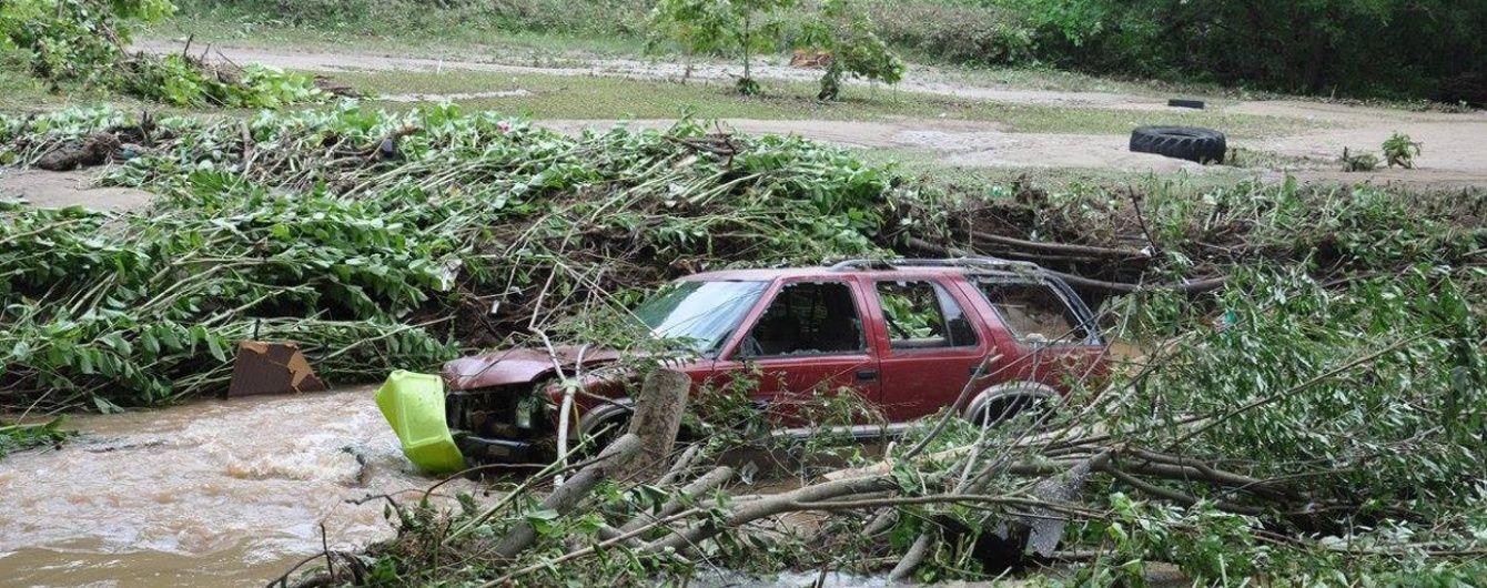 Буревій на Балканах. Негода зривала дахи будівель та залишила людей без світла