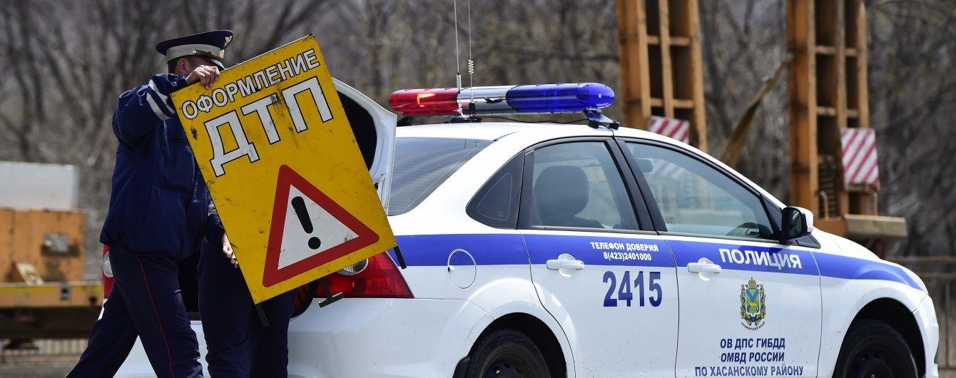 У Росії п'яний водій надгриз вухо сину начальника ДАІ