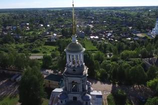 У Росії дрон заскочив пару за заняттям сексом на дзвіниці монастиря