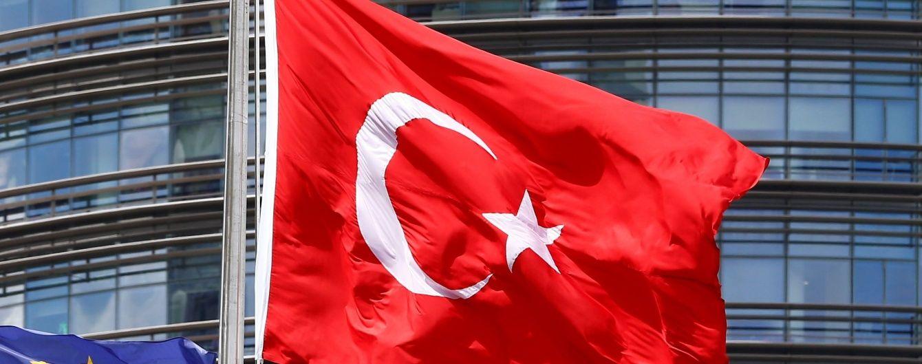 У Туреччині військові здійснили спробу державного перевороту - прем'єр