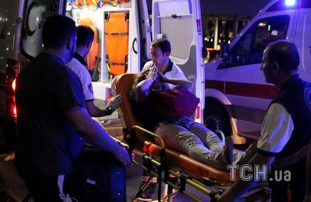 Усе про теракт у Стамбулі: кількість загиблих, ким були нападники, ситуація з рейсами