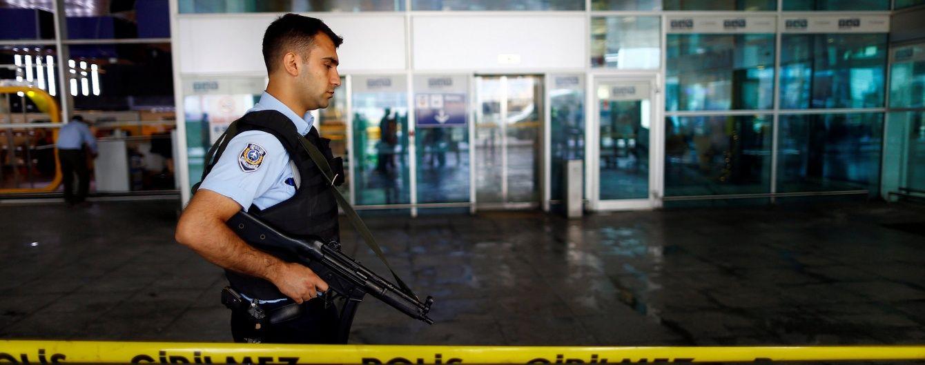 """У Туреччині затримали ще 11 підозрюваних у причетності до теракту в Стамбулі і до """"ІД"""""""