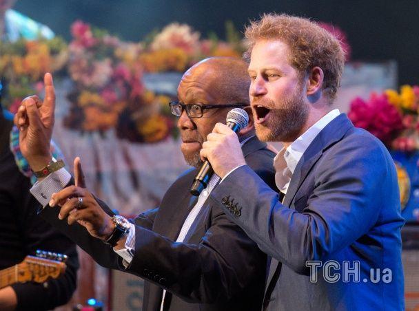 Принц Гаррі вразив виступом із відомими британським рокерами