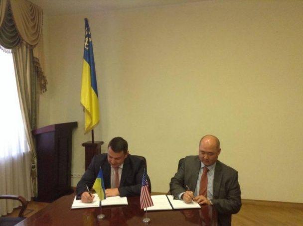 НАБУ паралельно з ФБР розслідуватимуть корупцію серед українських чиновників