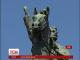 Активісти намагалися повалити 30-метровий монумент Щорсу в центрі Києва