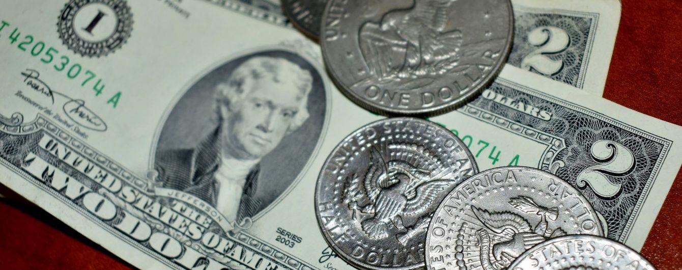 У перший день липня долар продовжив дешевшати. Офіційні курси НБУ