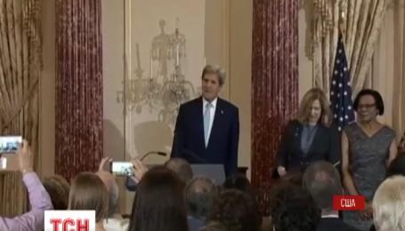 Перед саммитом НАТО Джон Керри посетит Киев