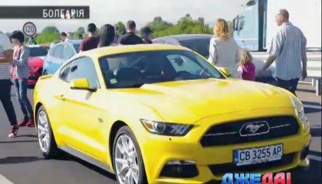 Международный обзор. Самую длинную колонну Ford выстроили болгарские автолюбители