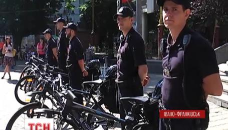 Поліція Житомира та Івано-Франківська отримала новий транспорт