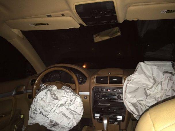 На Харківщині позашляховик зі скандальним нардепом Барною врізався у блокпост