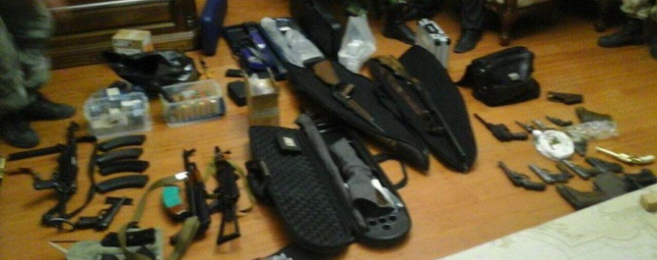 У екс-посадовця часів Януковича виявили арсенал зброї