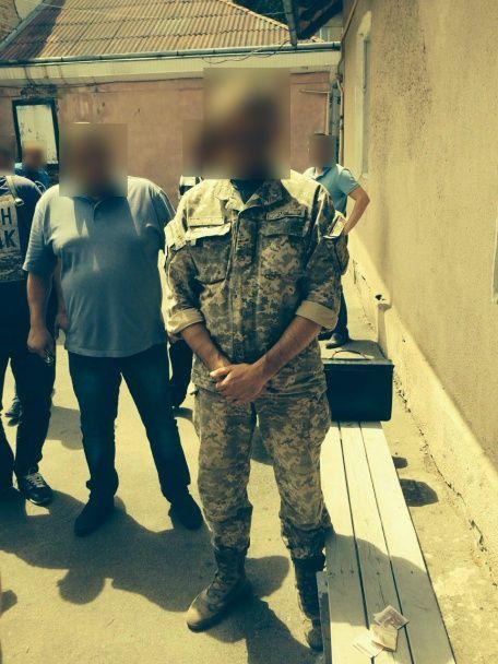 На Прикарпатті воєнком погорів на хабарі від призовника