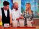 На польському телебаченні ведуча у прямому ефірі проколола руку цвяхом