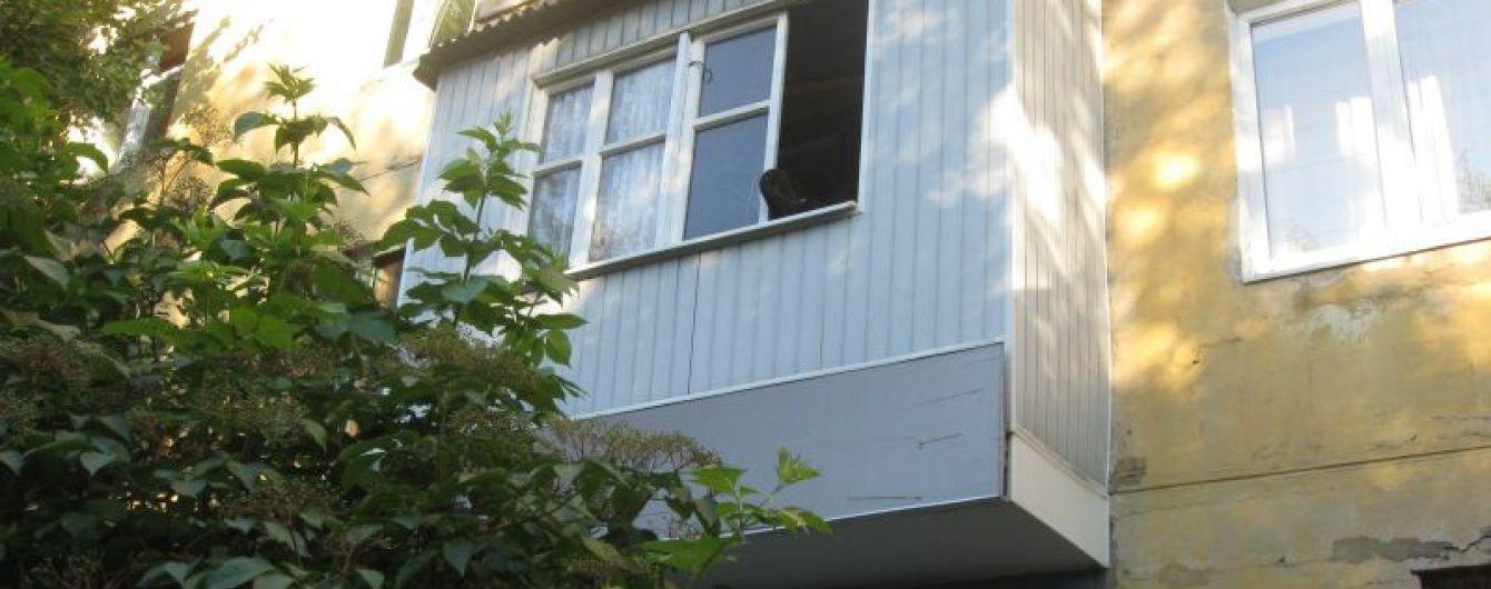 На Донеччині за добу в одному будинку дві жінки однаково звели рахунки з життям