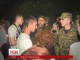 У Торецьку місцеві жителі намагалися заблокувати українську військову техніку