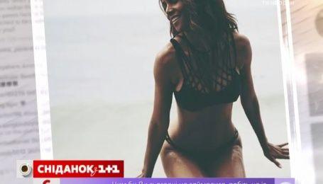 49-річна Холі Бері похизувалася апетитними формами