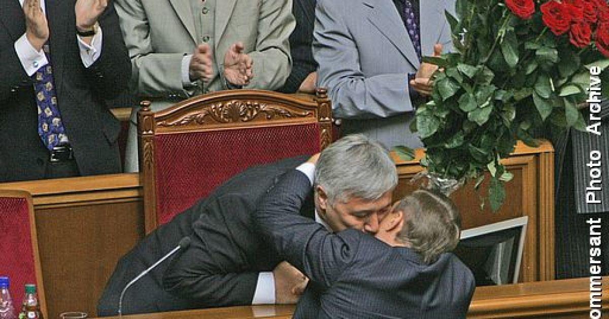 Сентябрь 2005 года. Юрий Ехануров садится в кресло премьера Украины