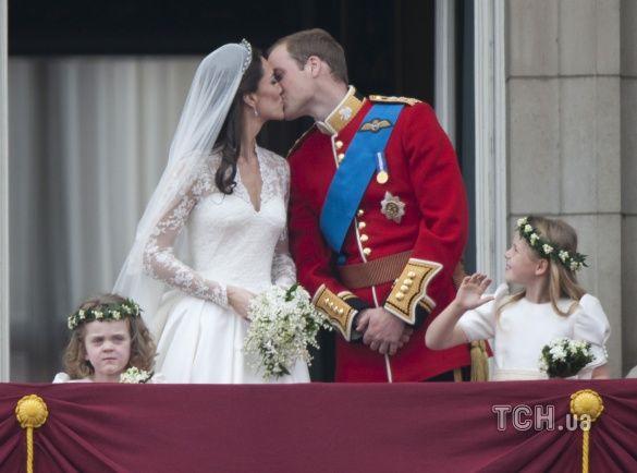 поцілунок принца Вільяма і Кейт Міддлтон