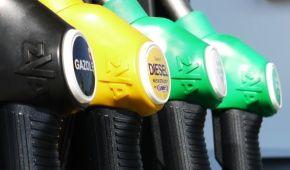 Скільки коштує заправити авто на АЗС. Середні ціни на 28 червня