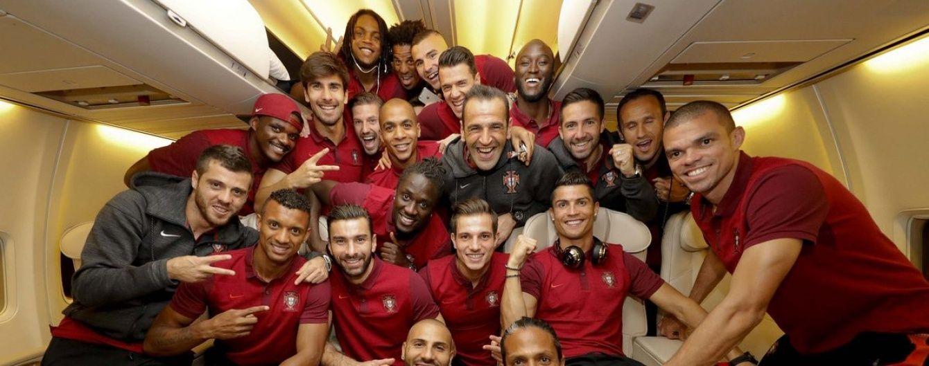 Найщиріші емоції. Збірна Португалії зробила переможне фото після виходу у фінал Євро-2016