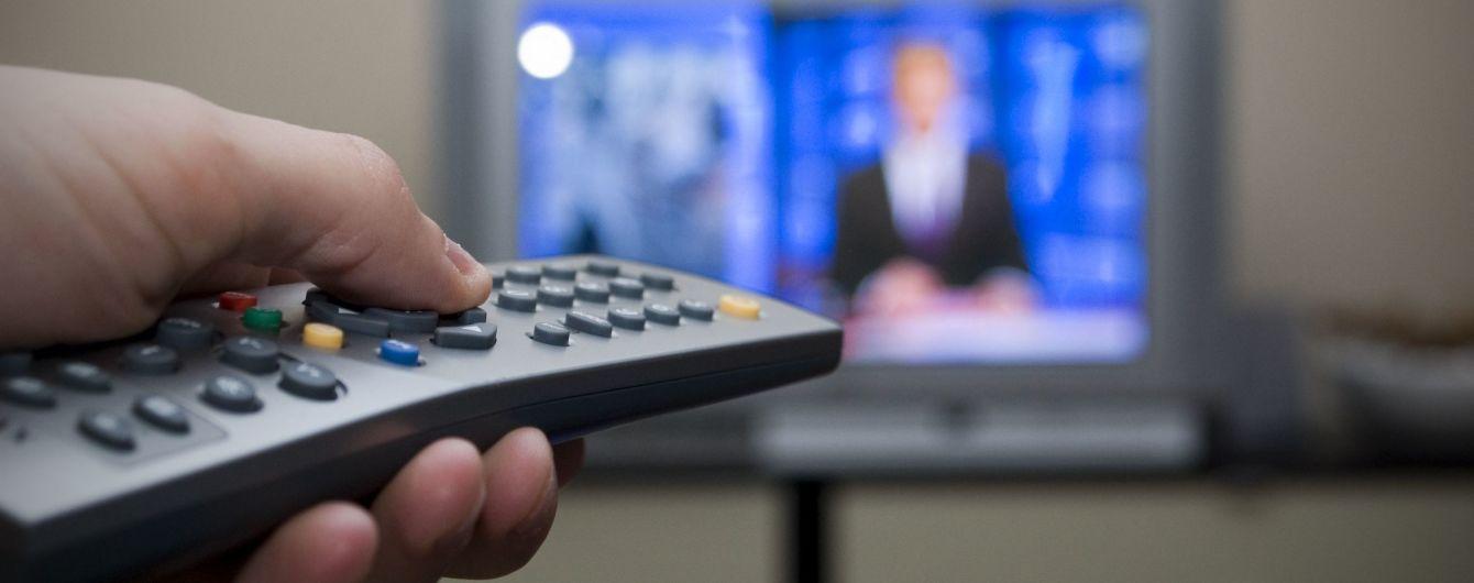 С сегодняшнего дня на телевидении еще больше будут говорить на украинском