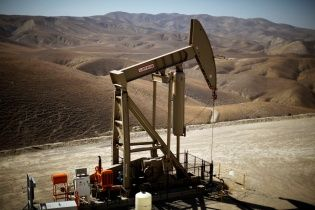 Brent снова бьет рекорды. Стоимость нефти достигла наивысшей отметки за 3,5 года