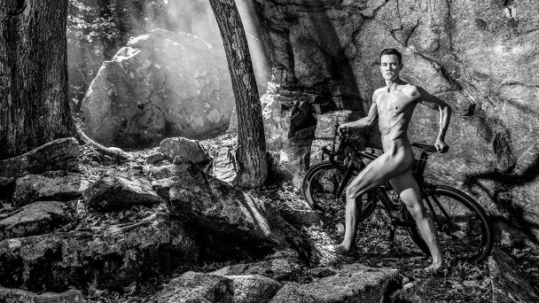 Знамениті спортсмени показали оголені тіла для календаря Body Issue