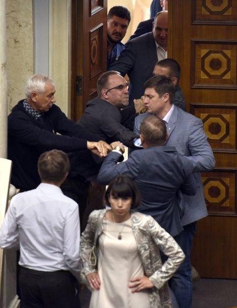 Пашинський побився з Власенком у залі Верховної Ради
