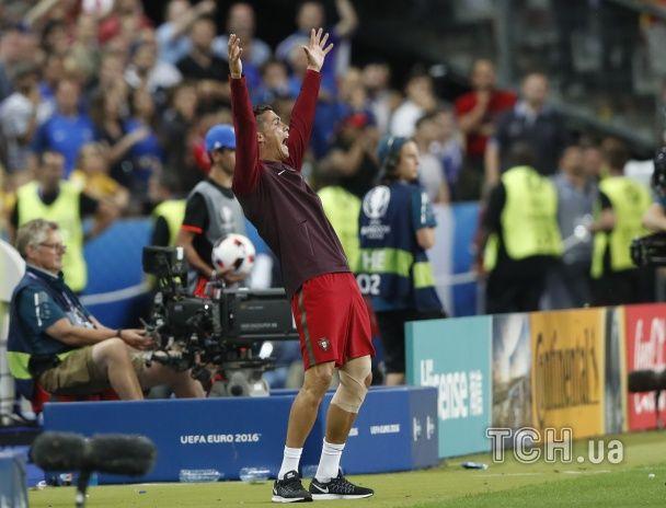 Як травмований Роналду допомагав тренеру керувати збірною Португалії у фіналі Євро-2016