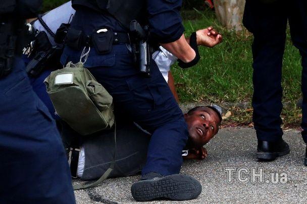 У США не вщухають масові протести: в Луїзіані арештували десятки мітингувальників