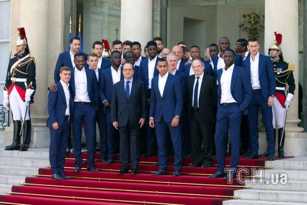 Збірна Франції побувала на офіційному прийомі у президента країни