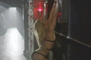 Приватний танок: Брітні Спірс у спідньому еротично прорекламувала свої парфуми