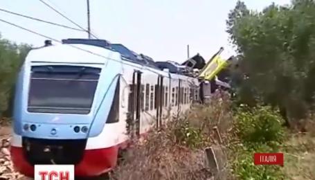 В Италии лоб в лоб столкнулись 2 пассажирских поезда
