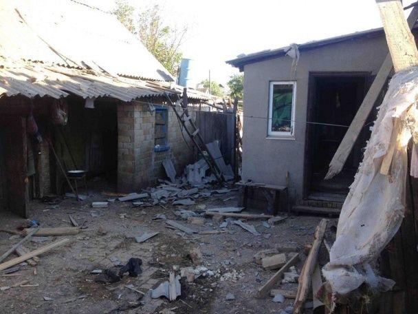 Поліція оприлюднила фото жахливих нічних обстрілів бойовиками селища під Торецьком