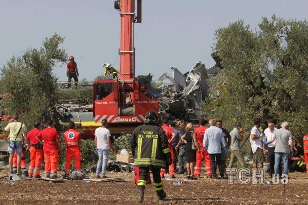 Жертви, причини та розповіді очевидців: що відомо про зіткнення потягів в Італії